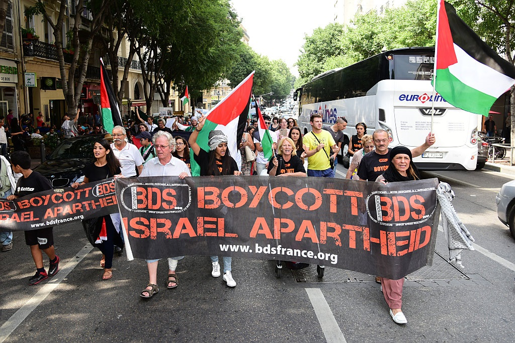 ¿Ignorantes o Malignos? – Los activistas antiisraelíes no se preocupan por los hechos – Por Steven Emerson (IPT News)