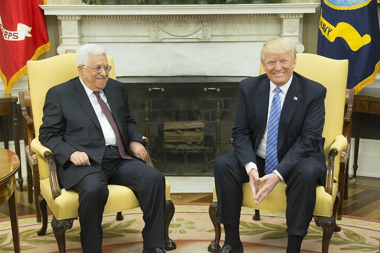 Debate: ¿Debería suspenderse la ayuda estadounidense a los palestinos? – Por Dr. George N. Tzogopoulos (BESA)