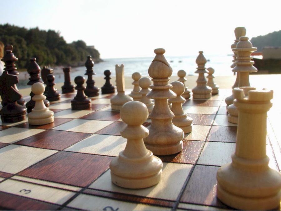 El juego de ajedrez iraní: más movimientos están en camino – Por Najum Barnea (Yediot Ajaronot)