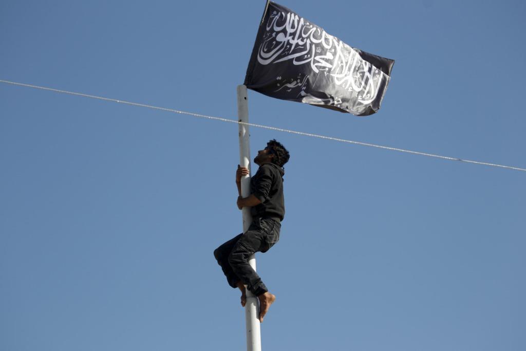 ¿Qué queda de la ambiciosa visión de Al-Qaeda por Siria? – Yoram Schweitzer (INSS)