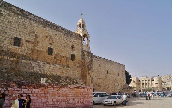 La persecución de los cristianos en la Autoridad Palestina – Por Edy Cohen (BESA)
