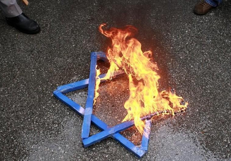 El neo antisemitismo, el despertar de la bestia – Por Bryan Acuña