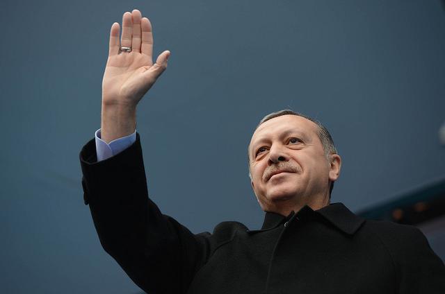 Turquía: Nuevo sistema, antiguo espectáculo de un único individuo – Por Burak Bekdil
