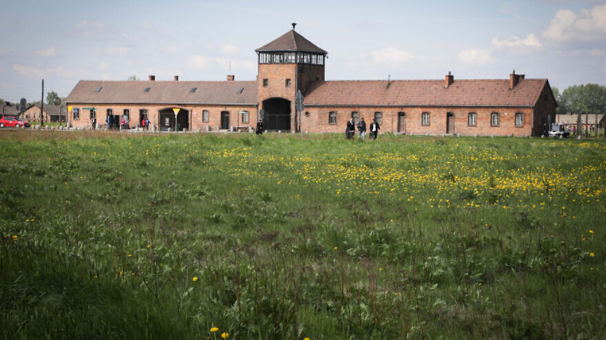 El simbolismo de la Iglesia Católica vuelve a ser un problema cerca del campo de exterminio de Auschwitz – Por Judy Lash Balint (JNS)