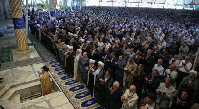 ¿Representando al pueblo o al régimen? Los clérigos iraníes y la continua erosión de su estatus – Por Raz Zimmt (INSS)