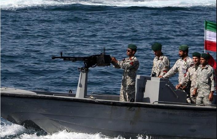 Bajo asedio, Irán vuelve a sus viejos trucos - Por Yoav Limor