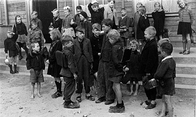 Karsh-ChildRefugees