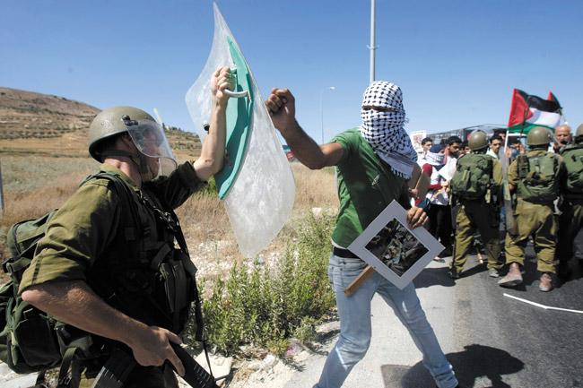 Los peligrosos juegos de Hamás exigen otro tipo de respuesta – Por Ron Ben-Yshai (Yediot Ajaronot)