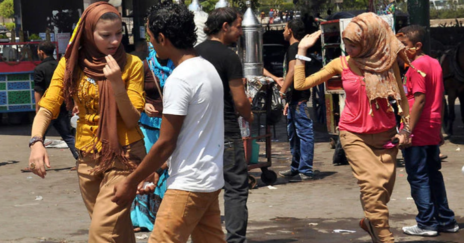 Un estudio revela que la ciudad del mundo más peligrosa para las mujeres es El Cairo (Yediot Ajaronot)