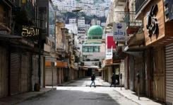 Las consecuencias del coronavirus empujan a los palestinos al borde de la ruina económica y la anarquía - Por Daniel Siryoti (Israel Hayom)