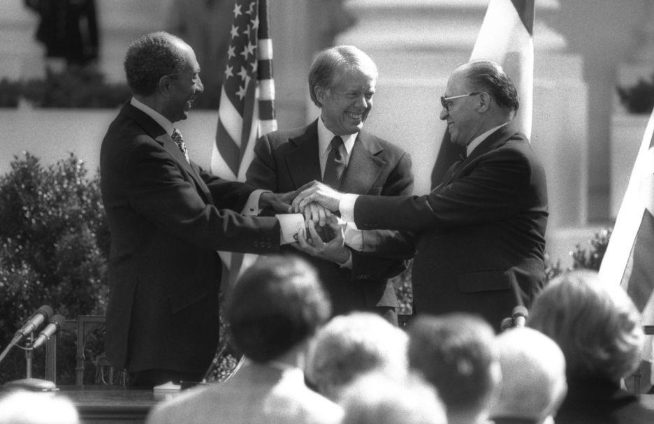¿Qué podemos y qué no podemos aprender de los acuerdo de paz que firmamos? – Por Moshe Arens (Haaretz 9/11/2015)
