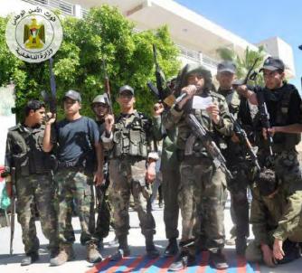 En Gaza se educa militarmente a las criaturas