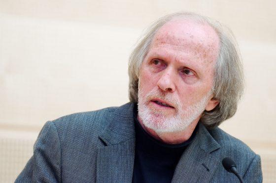 Las pirámides ideológicas invertidas de los judíos antisionistas: el caso de Moshe Zuckermann – Por Evyatar Friesel (BESA)