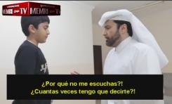 Sociólogo qatarí Abad Al-Aziz Al-Khazraj Al-Ansari demuestra la forma correcta de golpear a una esposa en el Islam