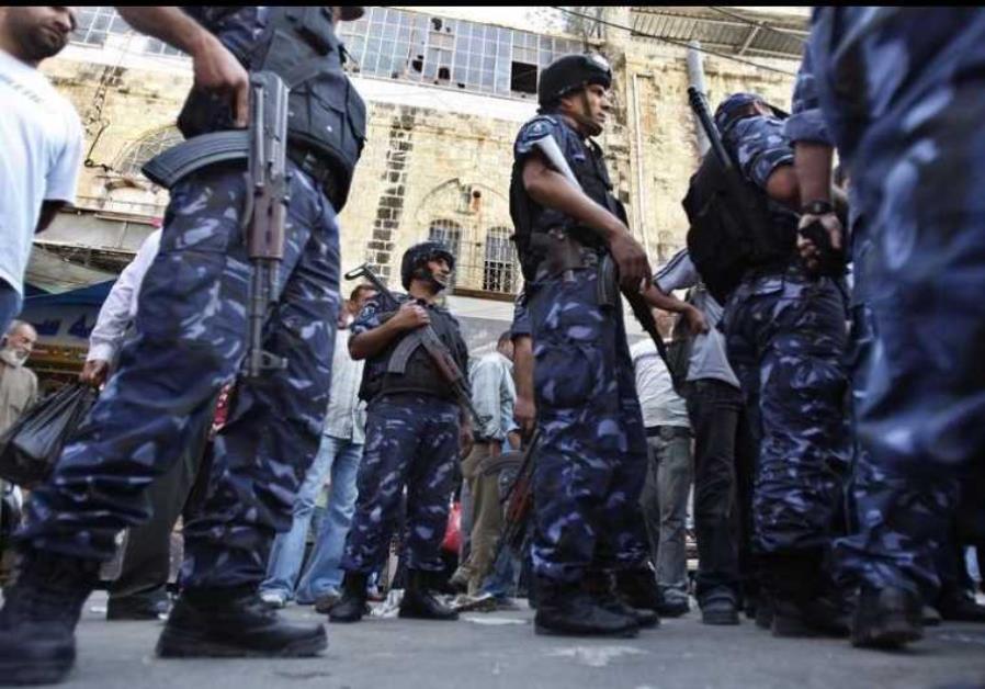 Los tribunales israelíes permiten a los palestinos que demanden a la Autoridad Palestina por torturas – Por Byyonah Jeremy Bob (JPost)
