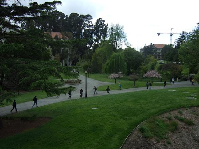 La Universidad de Berkeley ofrece clases para borrar a los judíos de Israel y para destruir al estado judío – por Abraham H. Miller (Algemeiner)