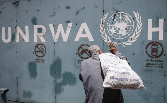 Ha llegado el momento que también los líderes de Tzahal comprendan: UNWRA no es la solución, es el problema – Por Ron Prossor (Israel Hayom)