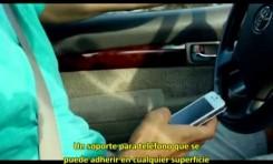 Cuelga tu i-phone de la ventana del coche