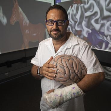 El científico israelí que intenta hackear el cerebro para crear súper sentidos – Por Dani Bar On (Haaretz)