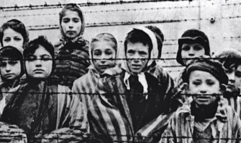 """Columnista de 'Al-Ahram': """"El Holocausto es un engaño utilizado por los sionistas para apoderarse del mundo"""" – Por Memri"""