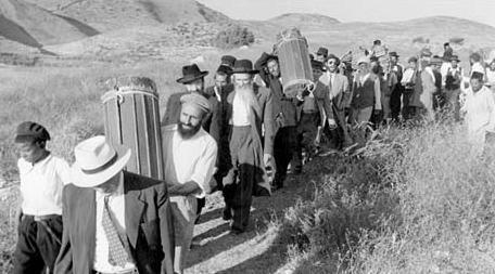 La historia olvidada de los 850 mil judíos forzados a abandonar los países árabes e Irán y el reclamo millonario de Israel – Por Marcelo Raimon (Infobae)